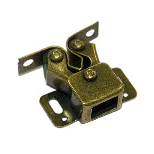 Pack 10 golpetes a presión de hierro de 31x12 mm