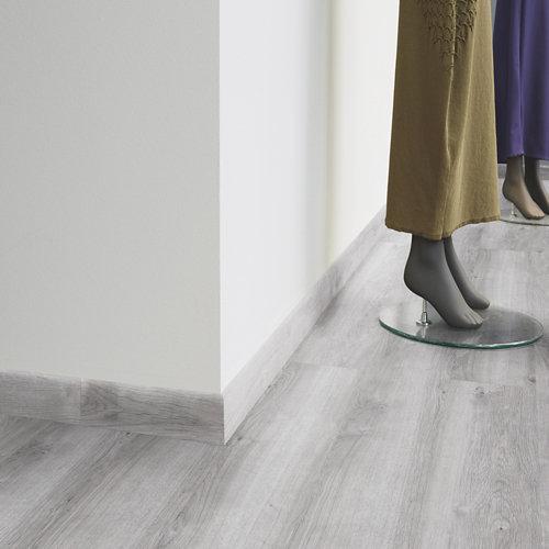 Rodapié decorativo vinílico tarkett stylish roble gris ultimate