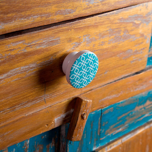 Pomo fabricado en haya azul turquesa medidas: 38x22mm