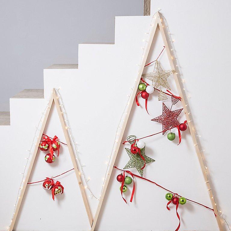 Un árbol De Navidad Luminoso Con Tiras De Led Leroy Merlin